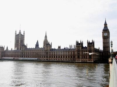 Βρετανία-Covid-19: Το Λονδίνο αρχίζει να...