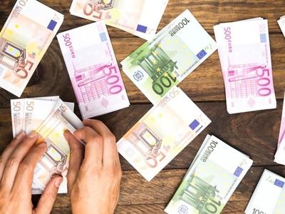 Όσα περισσότερα χρήματα έχει το χαμένο πορτοφόλι, τόσο πιθανότερο είναι να το επιστρέψει όποιος το βρει