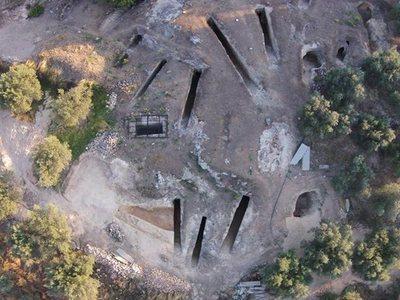 Δύο ασύλητοι τάφοι της Μυκηναϊκής εποχής αποκαλύφθηκαν στη Νεμέα- ΦΩΤΟ