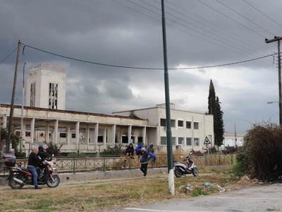 Πειραϊκή Πατραϊκή: Τα ερείπια της πατριν...