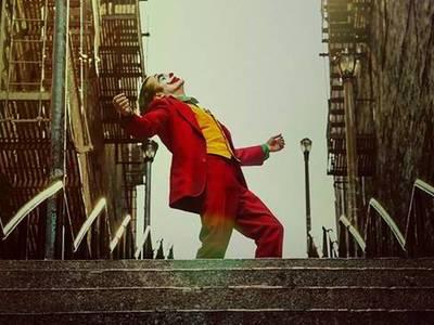 """Στις 3 Οκτωβρίου 2019 θα δούμε στις αίθουσες τον """"Joker""""-Χοακίν Φίνιξ"""