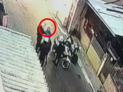 Βίντεο - ντοκουμέντο με αστυνομικό που χ...