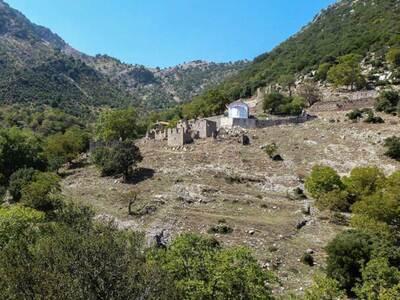 Το εγκαταλελειμμένο χωριό της Αχαΐας που...