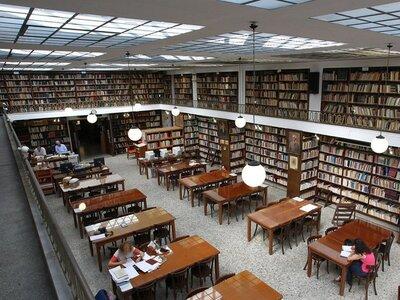 Κλειστή η Δημοτική Βιβλιοθήκη Πατρών από...