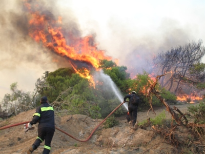 Υψηλός κίνδυνος πυρκαγιάς την Τρίτη σε Αχαΐα και Ηλεία