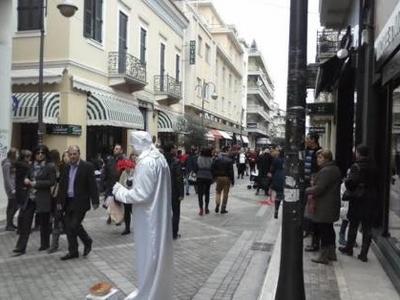Πάτρα: Μέχρι τι ώρα θα είναι ανοιχτά τα καταστήματα; - Γεμάτο κόσμο απο το πρωί το κέντρο της πόλης