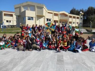 Πάτρα: Ενημέρωση για τον εθελοντισμό στο ειδικό δημοτικό σχολείο κωφών και βαρηκόων - Παιχνίδια από το Πλήρωμα 94