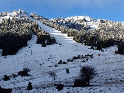 Έπεσαν τα πρώτα χιόνια στο Μαίναλο- ΒΙΝΤΕΟ