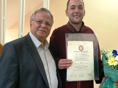 Ο Αλέξανδρος από το «Χαμόγελο του Παιδιού» πήρε πτυχίο από το Πανεπιστήμιο της Πάτρας