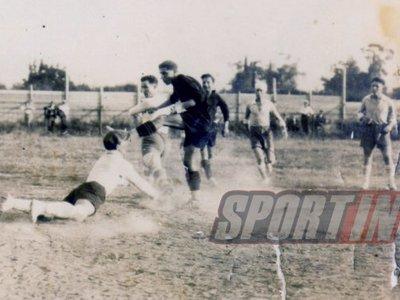 Η τελετή έναρξης του ποδοσφαιρικού πρωταθλήματος ΕΠΣΠ 1927