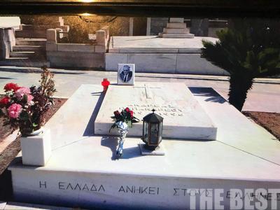 Κηδεία Λιβάνη: Οι Πατρινοί, το μνήμα του Ανδρέα, τα λουλούδια του Λαλιώτη και ο Άκης