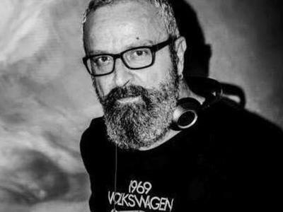 """Ο κορυφαίος DJ Φίλιππος Καταπόδης """"μαγεύει"""" και φέτος με τις μουσικές του στο Bodegas!"""