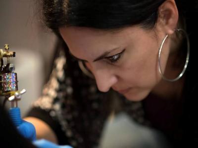 Το Cosmetic Tattoo της Ελένης Ζαβέρδα - Κίτρου στο Patras IQ - Μάθετε τα πάντα για το ιατρικό τατουάζ