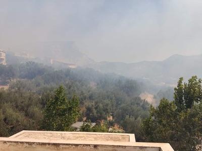 Πάτρα: H φωτιά από ψηλά- Τεράστια η έκτα...