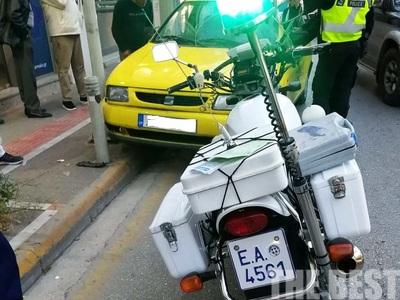 Οδηγός στούκαρε σε κολονάκι πεζοδρομίου στην Αγίου Ανδρέου – ΔΕΙΤΕ ΦΩΤΟ