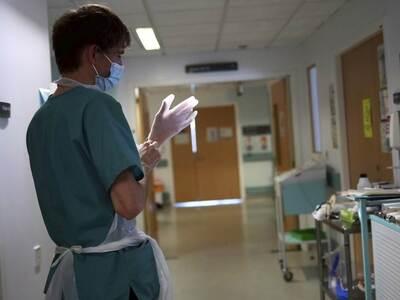 Όσοι έχουν καρκίνο κινδυνεύουν περισσότερο από τον κορωνοϊό