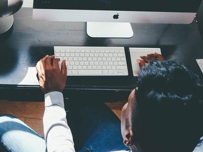 Ανήλικα κορίτσια στα δίχτυα του Dark Web- Γυναίκα ανέβαζε πορνογραφικό υλικό