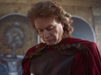 Ο Πέτρος Γαϊτάνος σε ρόλο Πόντιου Πιλάτου και Ιούδα για την πασχαλινή διαφήμιση του Jumbo! ΒΙΝΤΕΟ