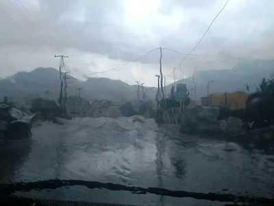 Πλημμύρισε η Κόρινθος – Εγκλωβίστηκαν οδηγοί