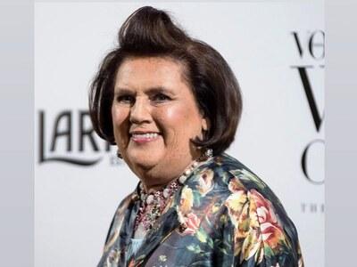Η Σούζι Μένκες αποχωρεί από την Vogue In...