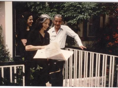 Ο Αθανάσιος και η Μαρία Κατσικοπούλου στο σπίτι τους στα Καλάβρυτα