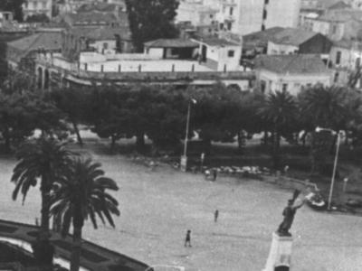 Ούφα. Ο κινηματογράφος, που βρισκόταν στην ταράτσα τού καφενείου τού Σταυριανού, άρχισε τη λειτουργία του τη δεκαετία τού 1930