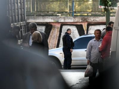 Αστυνομική επιχείρηση σε υπό κατάληψη κτίριο δίπλα στο Οικονομικό Πανεπιστήμιο