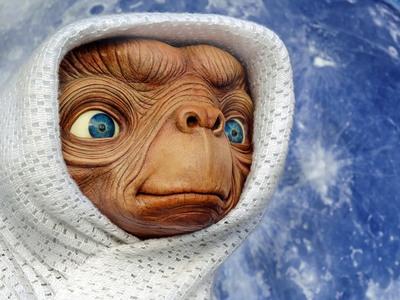 Έστω ότι υπάρχουν εξωγήινοι και επικοινωνούν με την ανθρωπότητα ...Τι πρέπει να τους πούμε;