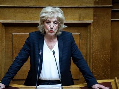 Σία Αναγνωστοπούλου: Η πολιτική της κ. Μ...