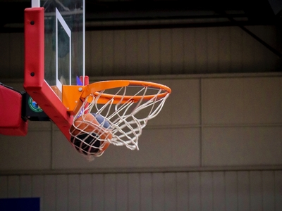Αμείωτο ενδιαφέρον στο Ανεπίσημο πρωτάθλημα μπάσκετ