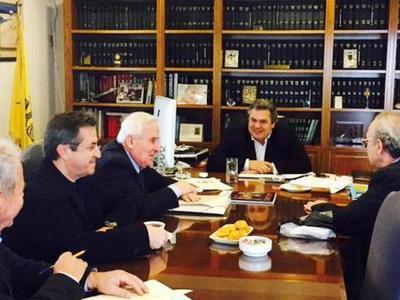 Π. Καμμένος και Ν. Νικολόπουλος συναντήθηκαν με τους πολύτεκνους