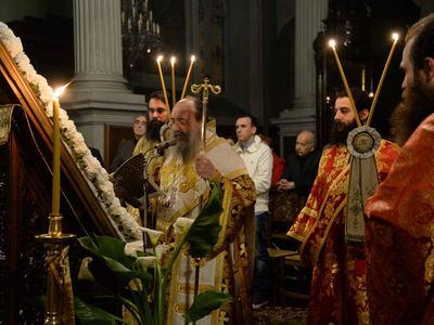 Κατάνυξη στον Ακάθιστο Ύμνο στις εκκλησιές της Πάτρας – ΔΕΙΤΕ ΦΩΤΟ