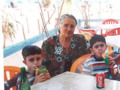 Γέννησε δίδυμα στα 60 της! Η Ροδίτισσα που σήμερα στα 83 της χαίρεται τα παιδιά της