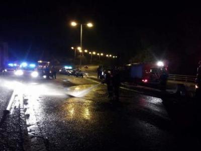 Αυτοκίνητο εξετράπη στην Πατρών-Πύργου, στα Καμίνια