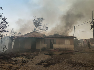 Φωτιά-Ηλεία: Στις φλόγες το χωριό Λάλας-...