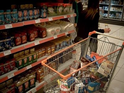 Ιστορίες του παραλόγου στα σούπερ μάρκετ της Πάτρας, τις ημέρες του κορωνοϊού