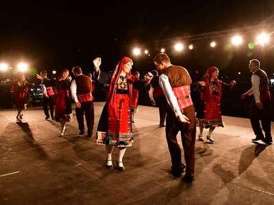Το χορευτικό αντάμωμα στο Διεθνές Φεστιβάλ Πάτρας