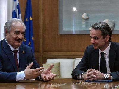 Ολοκληρώθηκε η συνάντηση του πρωθυπουργού με τον στρατάρχη Χάφταρ