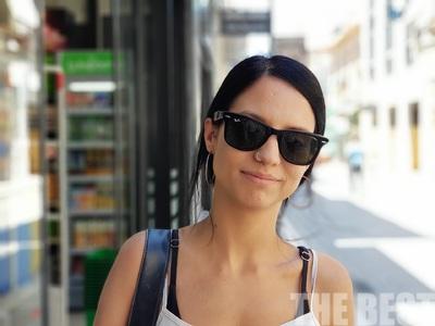 Αυτή είναι η 24χρονη που βρήκε 1.135 € στην Πάτρα και τα παρέδωσε στην αστυνομία - ΒΙΝΤΕΟ