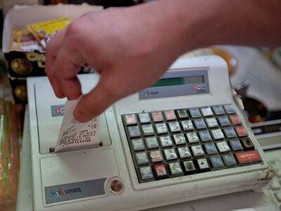 ΔΕΙΤΕ σε ποια προϊόντα μειώνεται ο ΦΠΑ- Έκπτωση φόρου για ιδιοκτήτες ακινήτων