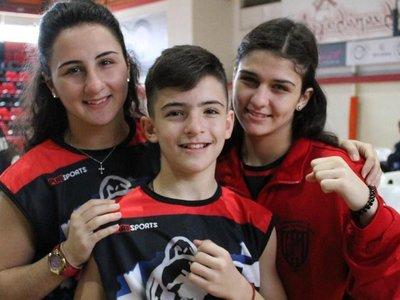 Η οικογένεια Πλέα και τα 15 μετάλλια στα πανελλήνια πρωταθλήματα πυγμαχίας