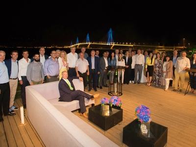 Φωταγωγήθηκε η Γέφυρα προς τιμήν των αρχηγών αποστολών των Ολυμπιακών Επιτροπών