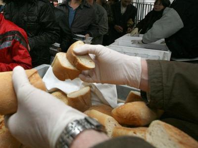 Η Πάτρα στενάζει από την ανέχεια- Αυξάνονται ραγδαία οι άνθρωποι που δεν έχουν ένα πιάτο φαγητό!