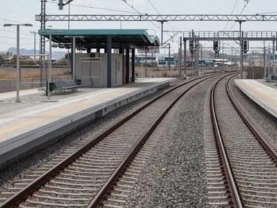 Στρώθηκαν οι γραμμές του νέου σιδηρόδρομου από Κιάτο μέχρι Αίγιο και ξεκίνησαν δοκιμαστικά δρομολόγια