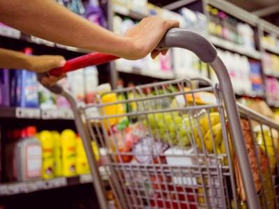 Ποια προϊόντα στα super market είναι φθηνότερα από σήμερα λόγω μείωσης ΦΠΑ