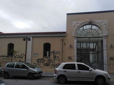 Το «σπιράλ» προσφέρθηκε να βάψει την Αγορά Αργύρη της Πάτρας και η Δημοτική Αρχή αρνήθηκε