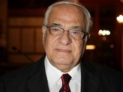 """Διονύσης Σιμόπουλος: """"Πες μας, παππ..."""