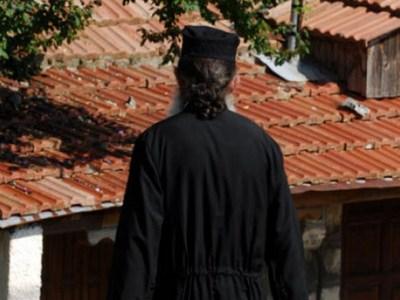 Με σοβαρό μεταδιδόμενο νόσημα ο ιερέας που κατηγορείται για ασέλγεια σε 12χρονη στη Μάνη