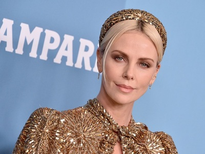 BeautySpy: Gold Goddess η Σαρλίζ Θερόν μ...