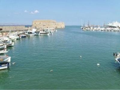 Μυστήριο με πτώμα στο λιμάνι του Ηρακλείου!